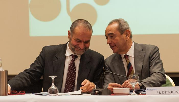 Massimo Minelli,Presidente di Confcooperative Lombardia (a sinistra)